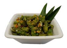 Spargelsalat grün an Gemüsevinaigrette