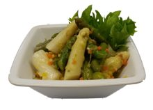 Spargelsalat gemischt an Gemüsevinaigrette